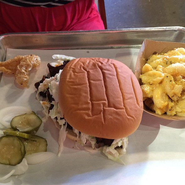 Beef Pulled Sandwich With Slaw And Mac And Cheese @ Swig & Swine