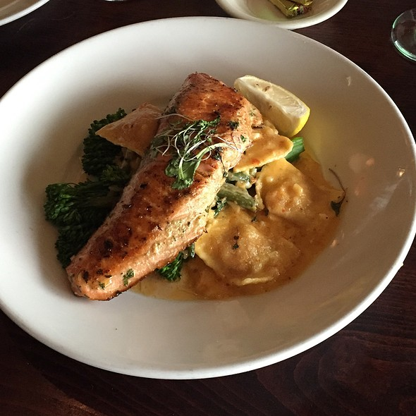 Grilled Pacific Wild King Salmon With Sundried Tomato-Goat Cheese Ravioli With Sundried Tamoto-Cream Sauce And Broccolini