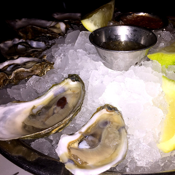 Oysters @ Shaw's Crab House