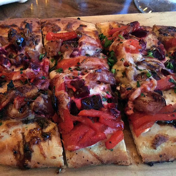 Veggie Flatbread @ Sable Kitchen & Bar