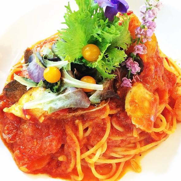 Seafood Ragout Spaghetti