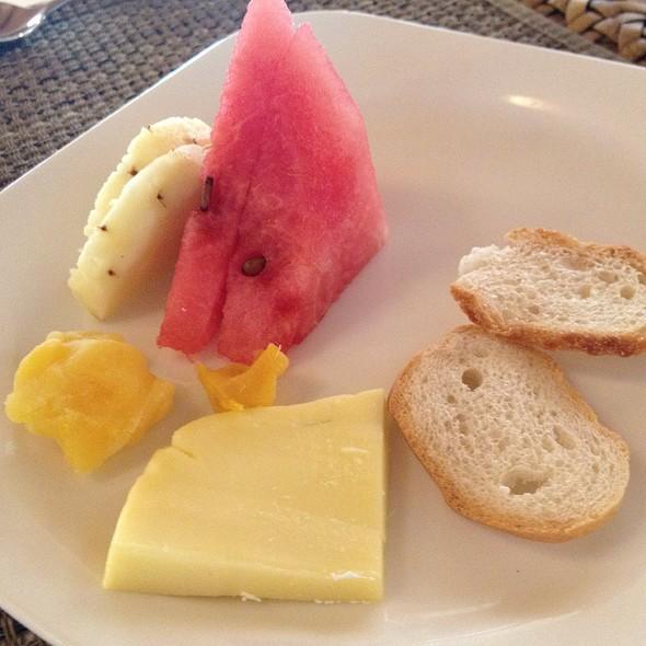 lunch buffet @ Maribago Bluewater Beach Resort and Spa