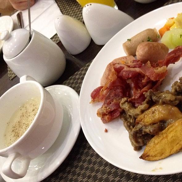 Breakfast Buffet Choices @ Malayan Plaza Hotel