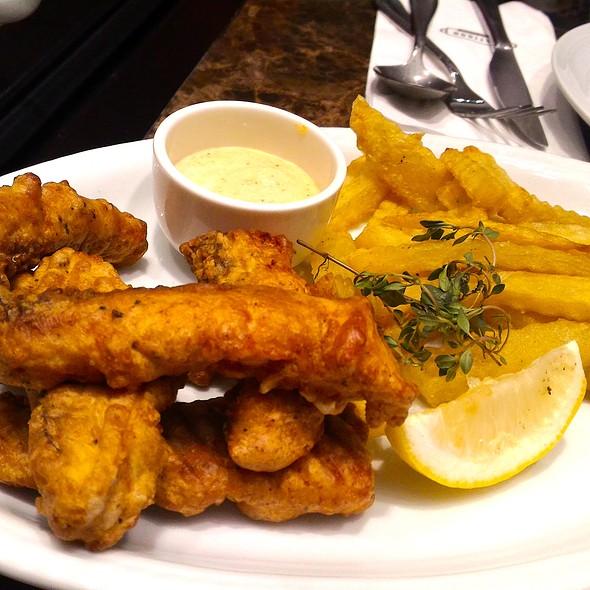 Golden Fish Fingers @ Flatiron 1771