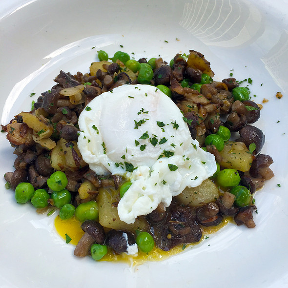 English Peas - Freds Chicago at Barneys New York, Chicago, IL
