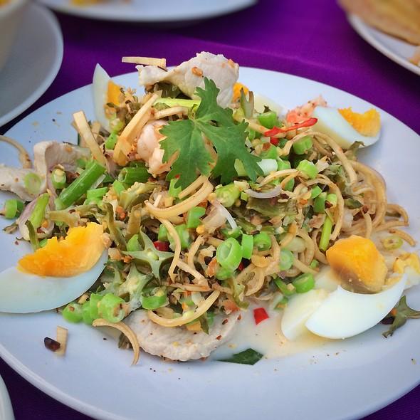 "Wing Bean Salad @ The Gallery Restaurant & Arts Club, ""Tha Chang"""