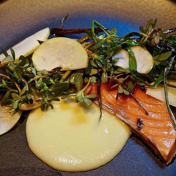 Grilled king salmon, potato purée, scallion, purslane
