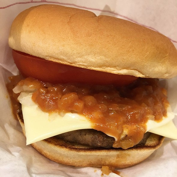 MOS Cheeseburger @ MOS BURGER