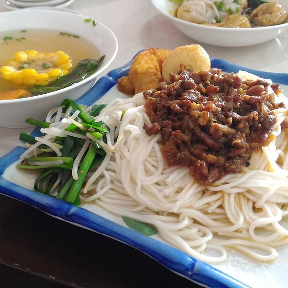 Taiwan Style Dry Noodles @ Mien-San Noodle House