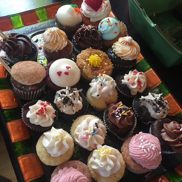Baby cupcakes @ Home