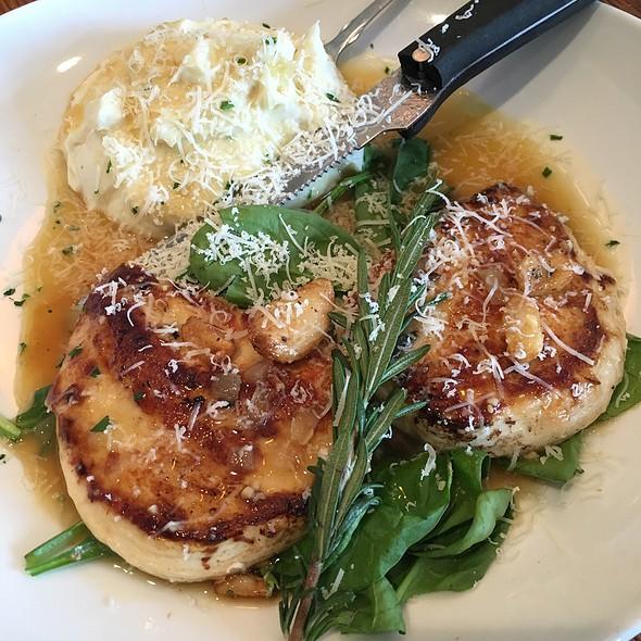 Roasted Garlic Rosemary Chicken @ Olive Garden