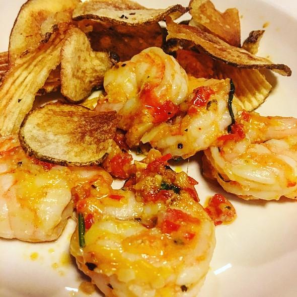 Potato Chips And Sauteed Shrimp