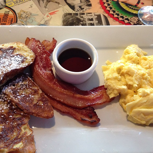 French Toast W/ Bacon And Scrambled Eggs