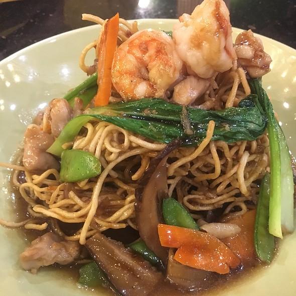 Crispy Hong Kong Noodles @ Yo! Panda