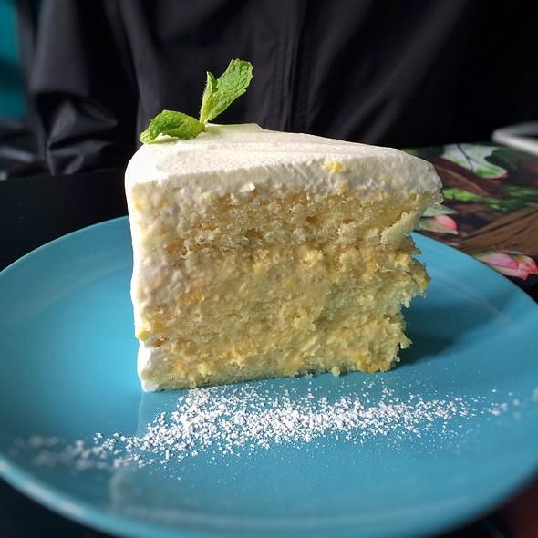 Durian Cake @ CREATURES