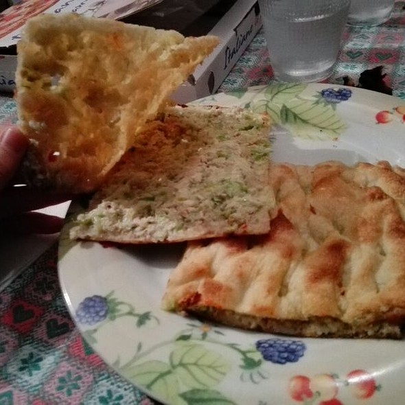 Pizza farcita Insalata di Pollo