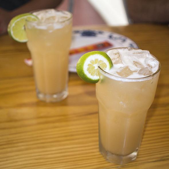 Whiskey Ginger Highball