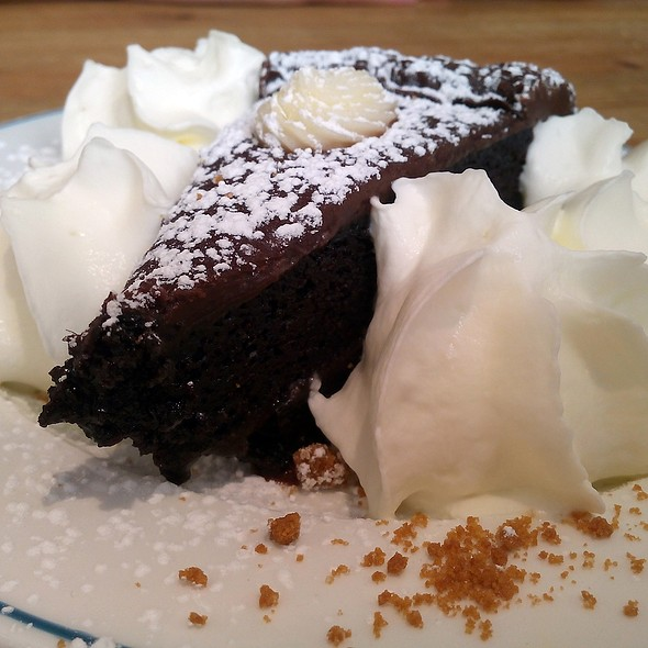 Chocolate Cake @ Mejillon