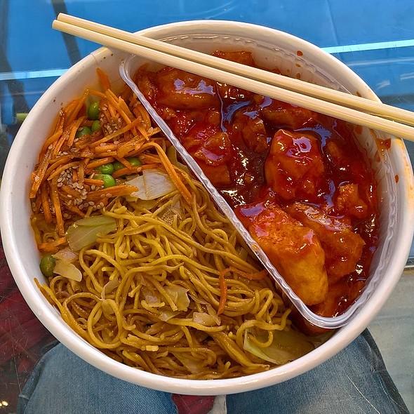 Sweet Chilli Tofu Yakisoba