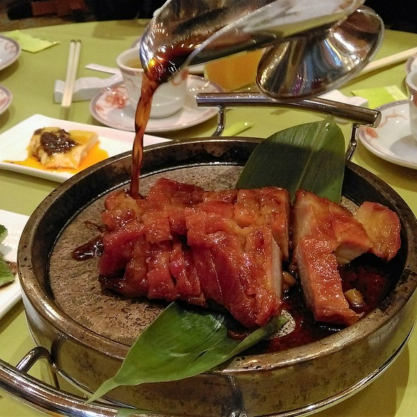 石燙叉燒 BBQ Pork on Hot Stone @ 鍾廚