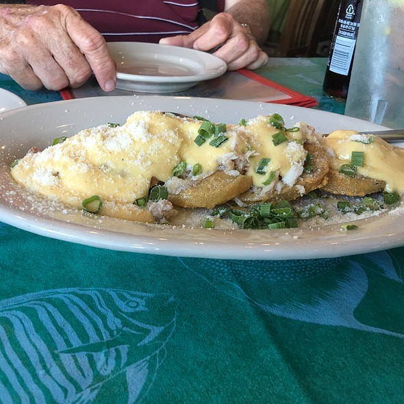 Fried Green Tomatoes W/Crabmeat