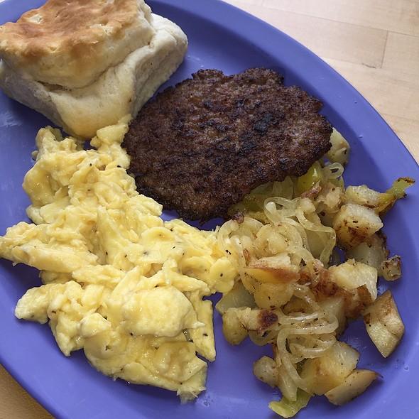 Country Breakfast @ Wildflower Eatery