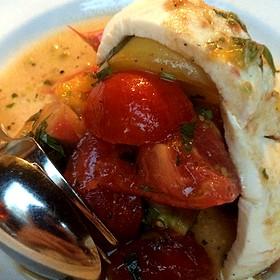Heirloom Tomato With Mozzerella