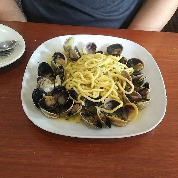 Spaghetti alla Vongole - La Tavola - Baltimore, Baltimore, MD
