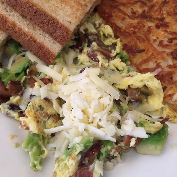 California Scramble @ Cafe La Tartine