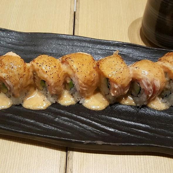 Salmon & Crab Roll