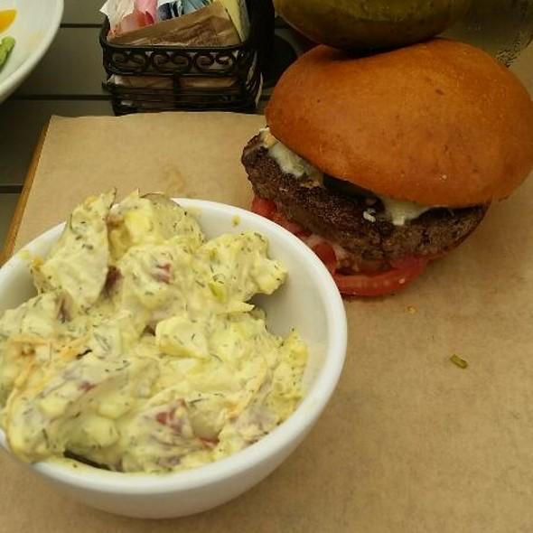 SW Border Burger - Buttonwood Grill, Lahaska, PA