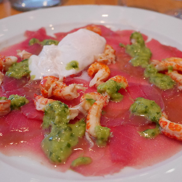 Tuna Carpaccio with Crayfish @ La Ruchetta