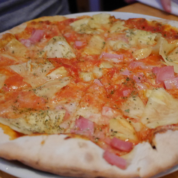 Pizza Hawaii @ La Ruchetta