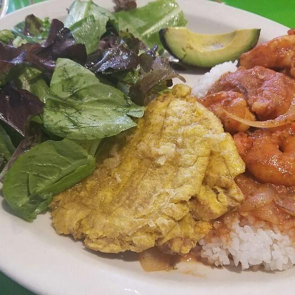 Camerones Criollos @ Sol Food