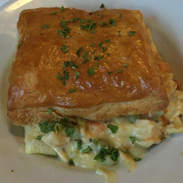 Chicken Pot Pie @ Alice's Restaurant