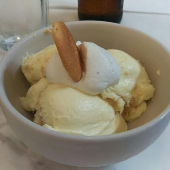 Banana Pudding @ Magnolia Cafe & Bakery