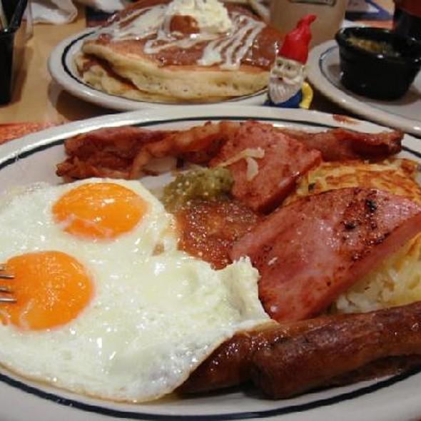 Huevos Con Bacon @ IHOP WTC