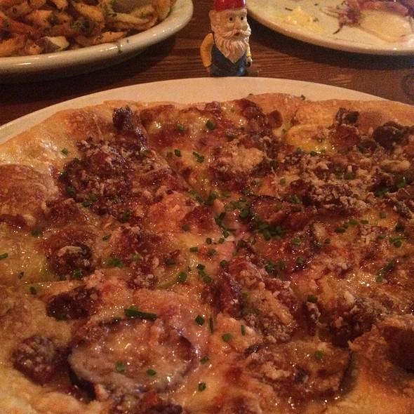 Fig Prosciutto Pizza @ A Cote