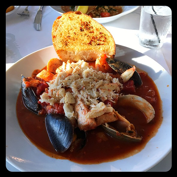 Cioppino @ Fog Harbor Fish House