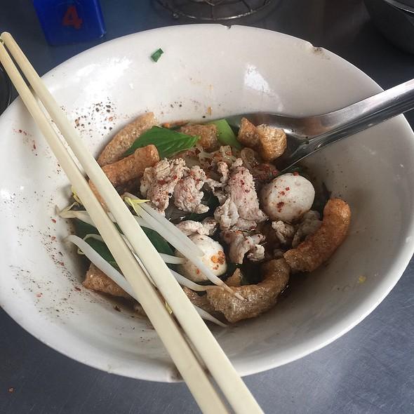 Boat noodles ก๋วยเตี๋ยวเรือ @ Doy Kuay Teow Reua (ต้อยก๋วยเตี๋ยวเรือ)