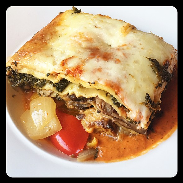 lasagna @ The Stinking Rose