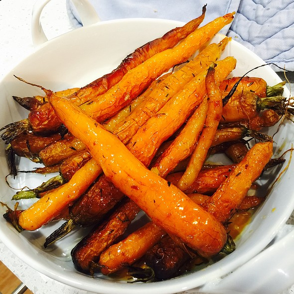 Roasted Carrots With Honey And Thyme @ Chookys