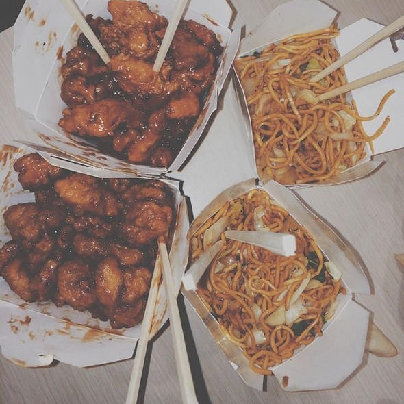 Forbidden City - General Tso Chicken And Lo Mein - Foodspotting