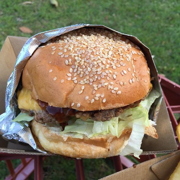 Marvin Burger @ Mi Casa Es Su Casa