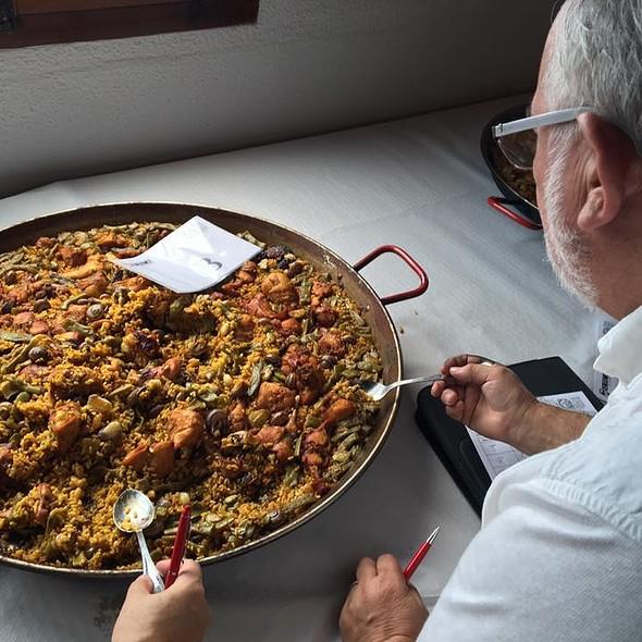Paella @ Arroceria Pilingui