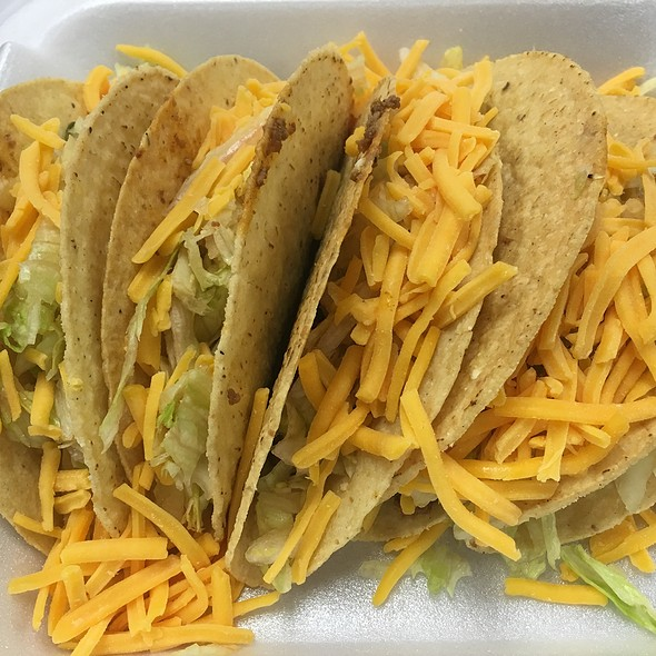 Beef Taco 5-Pack @ Hardee's / Red Burrito