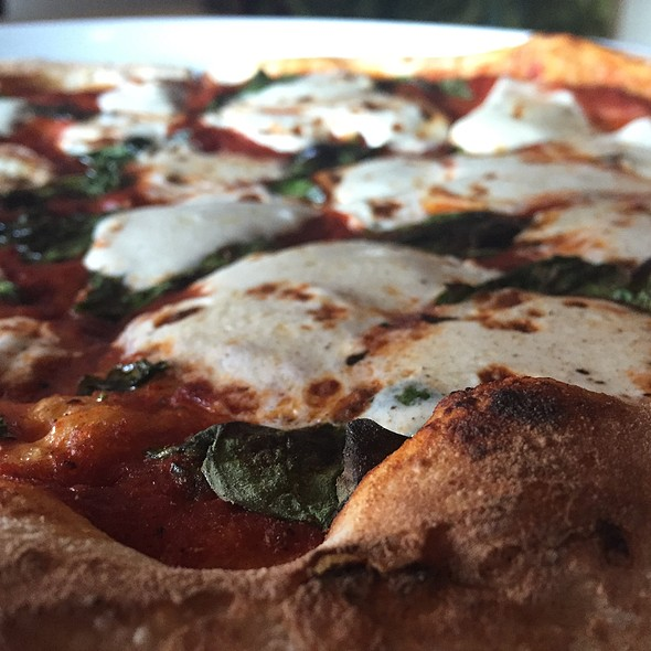 Woodfired Pizza @ Portico