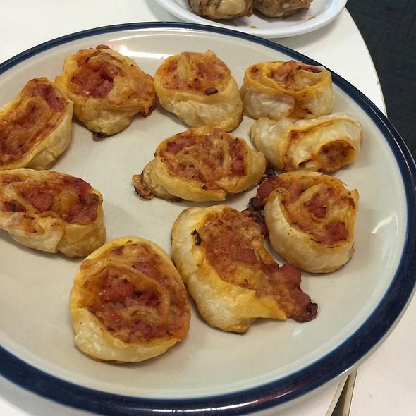 Pizza Scrolls @ Chookys