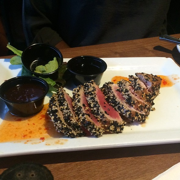 Tuxedo Encrusted Tuna @ Crimson American Grill