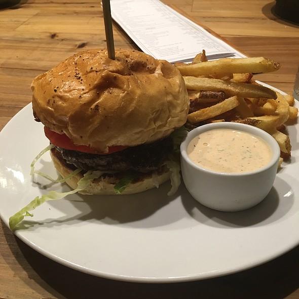 Burger @ Edmund's Oast